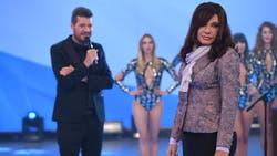 Marcelo Tinelli y Martín Bossi, caracterizado como Cristina Fernández de Kirchner
