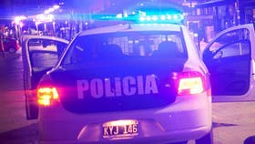 Dos policías fueron detenidos tras intentar asaltar a una travesti