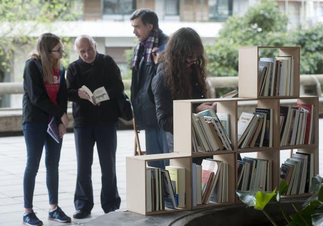 Bibliotecas ambulantes para lectores curiosos