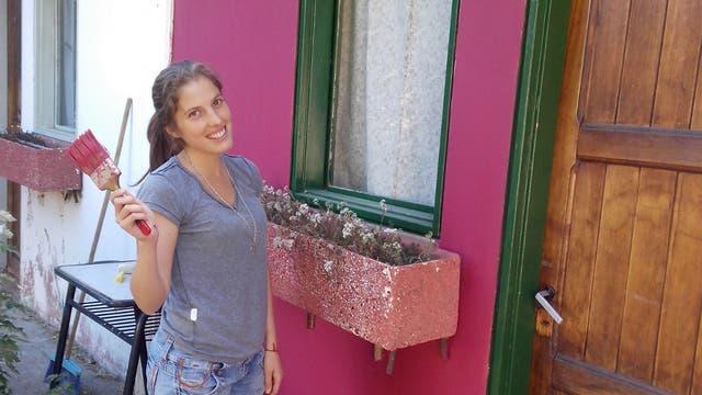 Valeria Aguilar cumple un año como docente en Cholila