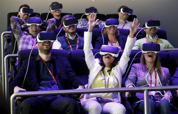 Los visores de realidad virtual Gear VR de Samsung, una de las vedettes de la feria