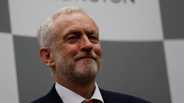 Un sonriente Jeremy Corbyn, desde Islington, donde tenía su cuartel general