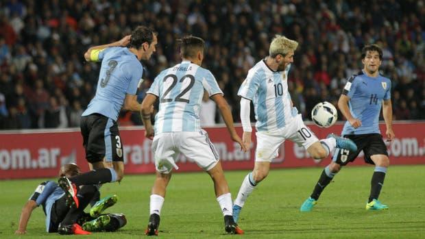 Argentina y Uruguay, en un duelo decisivo