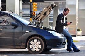 Guillermo Bracchiaforti pidió asistencia mecánica a través de la app de su compañía de seguros