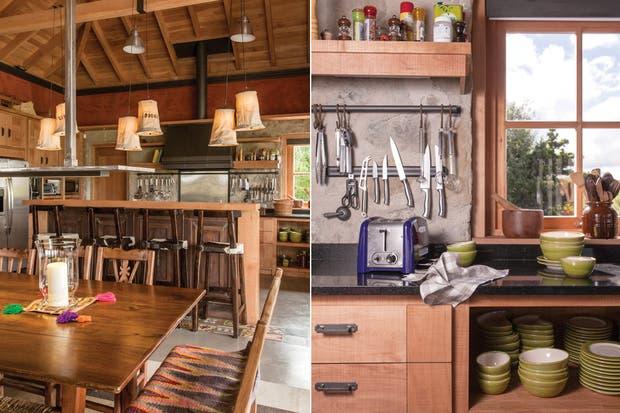La cocina está en el punto opuesto al living. En medio está el comedor, y las tres zonas conforman un solo ambiente. La cocina se proyectó teniendo en cuenta su practicidad..