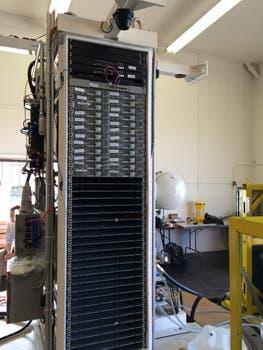 El rack instalado dentro del dispositivo submarino desarrollado por Microsoft. Foto: Gentileza Microsoft
