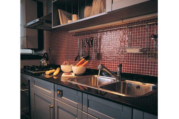 Modelos de topes de granito para cocinas for Revestimientos pared cocina