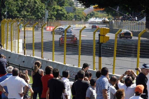 La ciudad vibró con el circuito callejero del Súper TC2000.  Foto:LA NACION /Soledad Aznarez
