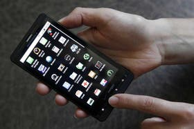 Las aplicaciones móviles, solventadas por publicidades, entrañan diversas dudas sobre el destino de los datos personales de los usuarios
