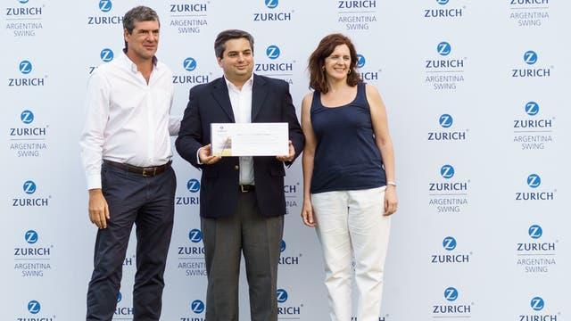 Fabio Rossi, CEO de Zurich Argentina, Juan Sánchez Alcazar, Presidente de la fundación Futuros Profesionales y Adriana Arias, Directora de comunicaciones de Zurich.