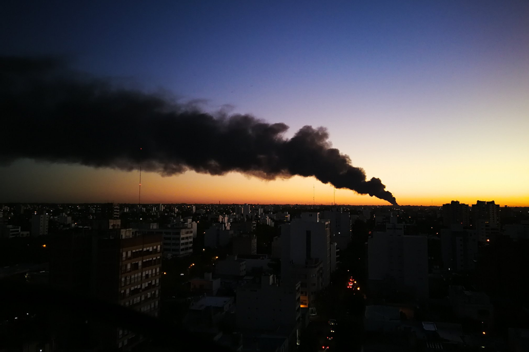 Empresa manufacturera Mafissa fue consumida por incendio en La Plata