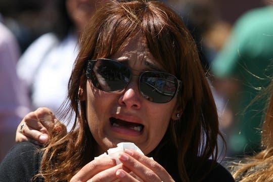 Miles de personas se acercaron a la Plaza de Mayo para despedir al ex mandatario argentino, Néstor Kirchner, innumerables muestras de afecto y dolor. Foto: LA NACION / Miguel Acevedo Riú