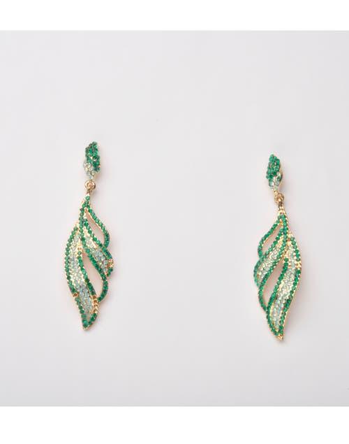 Aros colgantes con strass Luna Garzon, $198. Foto: Juana Mauri. Producción Violeta Mauri.