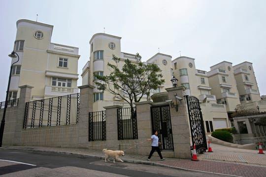 EL lujoso barrio de Victoria Peak  está en Hong Kong, una de las ciudades más opulentas de Asia. Foto: AP