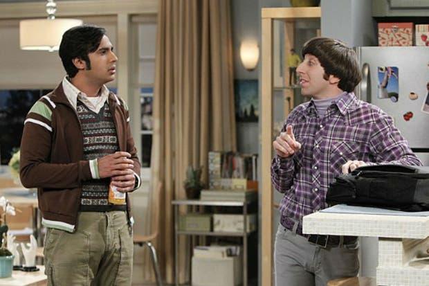 Raj junto a su compañero de aventuras, Howard