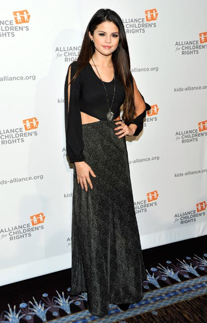 Selena Gomez en la cena de The Alliance For Childrens Right, en Beverly Hills.  Foto:  / Getty