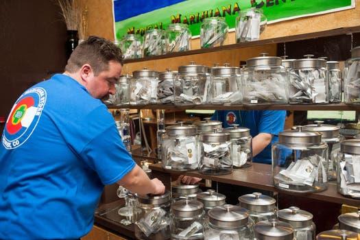 Los locales ofrecen una variedad de productos. Foto: AFP