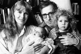 Dylan en el regazo de Woody Allen