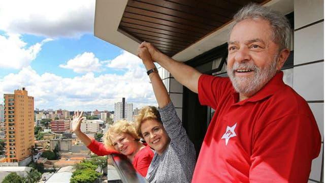 Dilma visitó a Lula en su departamento para brindarle apoyo cuando compareció ante la Justicia
