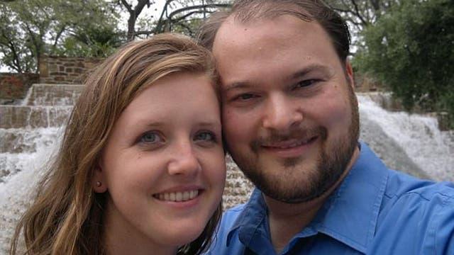 Crystal Holcombe y su esposo