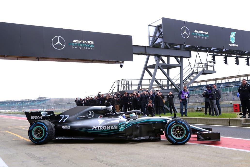 Mercedes y Ferrari presentan sus monoplazas para el Mundial 2018