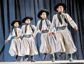 Jóvenes promesas del malambo, una tradición que se remonta al siglo XVIII