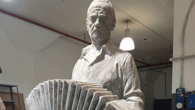 Eduardo Noé, Astor Piazzolla, escultura.