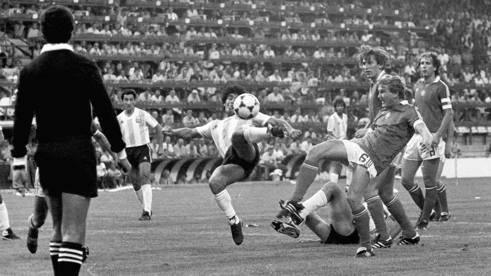 16-6-1982: contra Hungría, el día de su primer gol en un Mundial. Foto: LA NACION