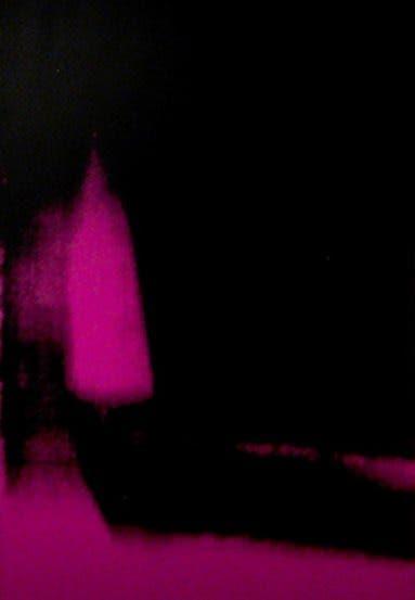 Como objeto inspirador, De Diego eligió las Sombras de Andy Warhol (en la foto, detalle), una serie de 102 lienzos serigrafiados que el artista realizó en 1978, a los 50 años.