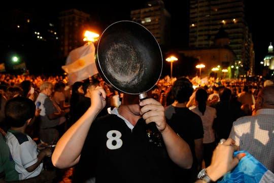 La ocurrencia y originalidad de los que participaron en la protesta del #8N. Foto: LA NACION / Marcelo Manera
