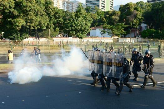 La represión en Brasil. Foto: AFP y AP