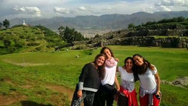 Hce 6 semanas cuando empezaban el viaje en Sacsayhuaman, Cristo Blanco, Cuzco.