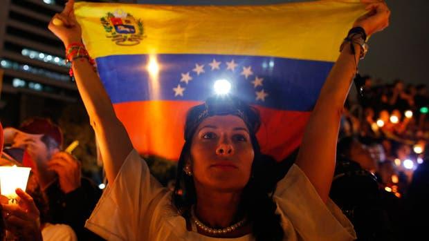 Venezuela envía tropas a la frontera con Colombia por la escalada de disturbios