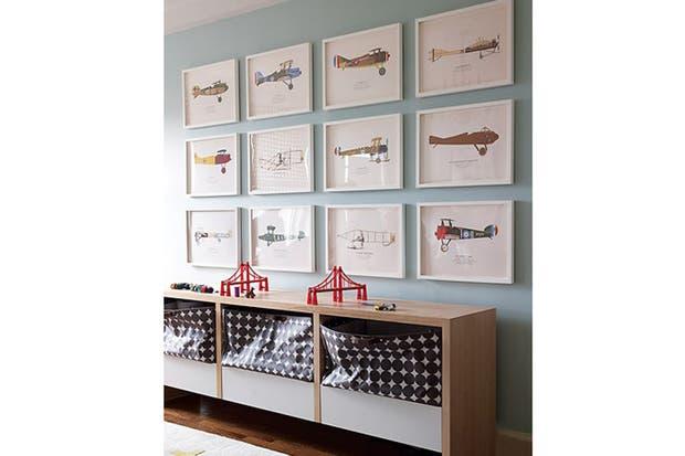 igual tamao y marco una coleccin de aviones viste la pared pinterest
