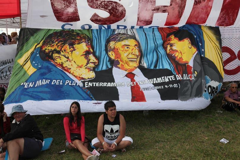 Todas las imágenes de la llegada de la Fragata Libertad a Mar del Plata. Foto: LA NACION / Guadalupe Aizaga