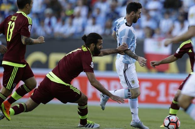 Uno de los últimos cruces entre Argentina y Venezuela, en la Copa América del Centenario, en 2016