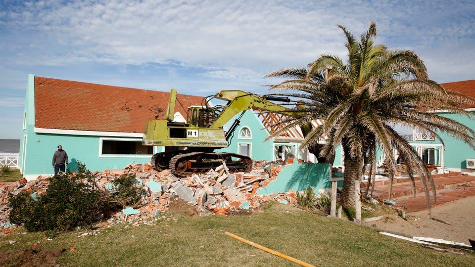 Demolieron el parador CR, símbolo del poder de los 90 en Pinamar, el lugar era punto de encuentro de políticos, empresarios y artistas cada verano. Foto: LA NACION / Mauro V. Rizzi