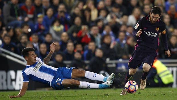 Messi, un crack en todas las facetas del juego