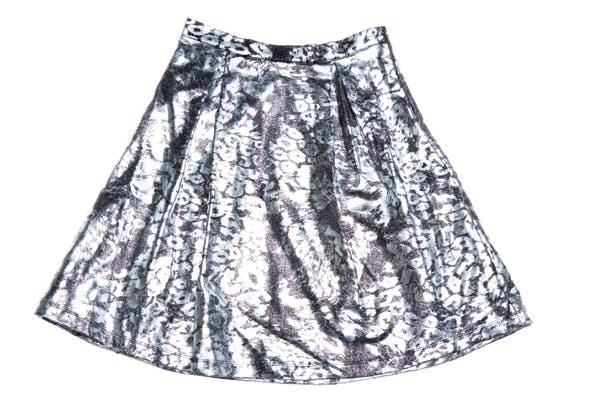 Falda con estampado metalizado (Maria Vazquez, $1644).