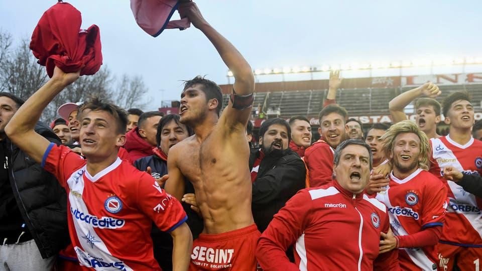 Argentinos superó a Gimnasia de Jujuy y volvió a la Primera división. Foto: Télam / Fernando Gens