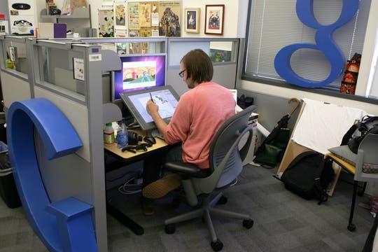 Una vista de la oficina en donde Gemmick realiza las ilustraciones conmemorativas de Google. Foto: AFP