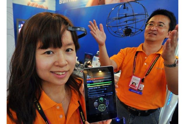 Neurosky desarrolla tecnología para controlar dispositivos con la mente