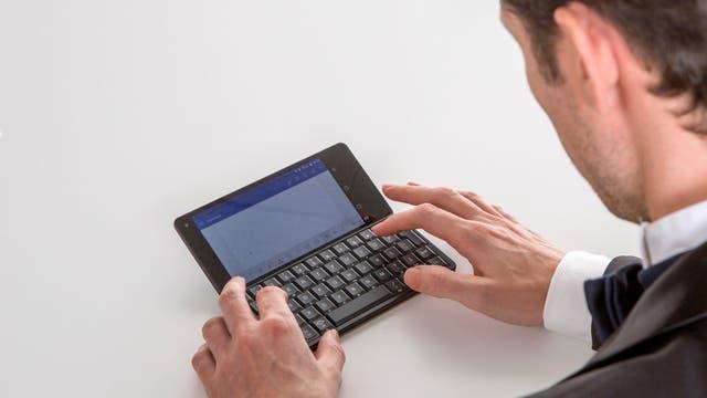 La Gemini PDA tiene un teclado y tamaño casi idénticos al de la Psion 5 de hace 20 años