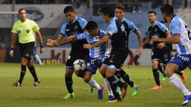 Atlético de Rafaela-Belgrano. Pura lucha en el medio.