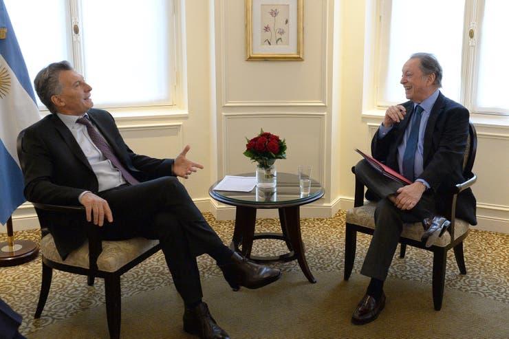 Después del desayuno con empresarios, Macri se reunió en París con Rodolfo Terragno