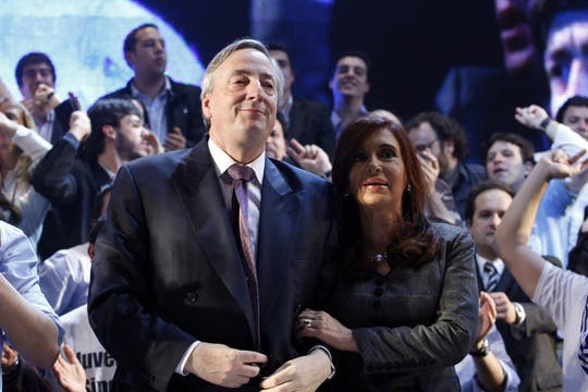 Néstor Kirchner durante el acto en el Luna Park, dos días después de salir de la clínica en la que estuvo internado tras reralizarse una angioplastía, 14 de septiembre de 2010. Foto: LA NACION