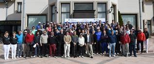 Gabriel Batistuta mostró sus dotes como golfista, junto a varias celebridades