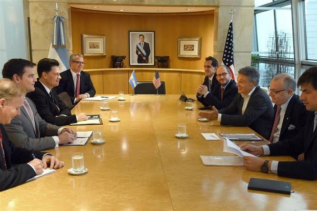 Los funcionarios argentinos y norteamericanos, ayer, durante el encuentro en la Cancillería