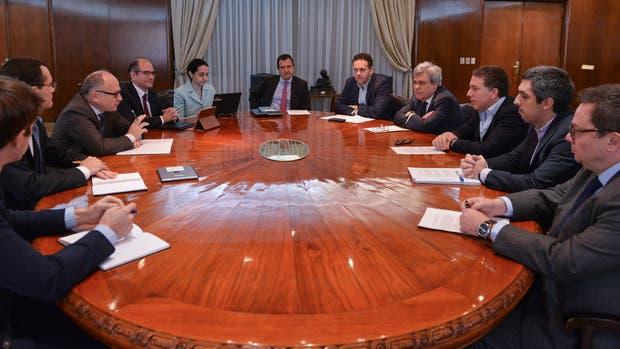 Dujovne y el equipo de Hacienda recibieron la misión del FMI
