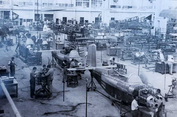 Ayer. Producción de la línea de aviones B-45 Mentor en los años 60, época dorada de una fábrica que era un ejemplo